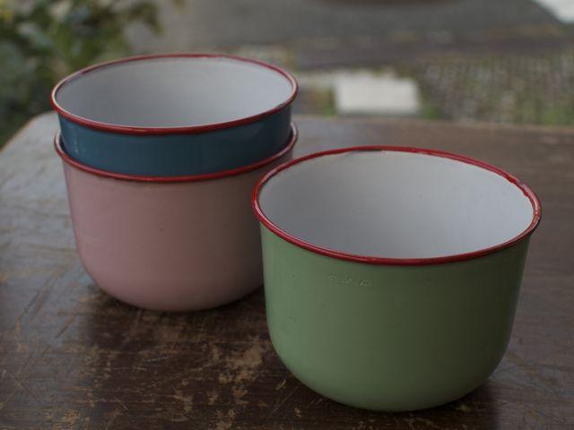 enamel bowl L